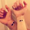 Significado da tatuagem ponto e vírgula